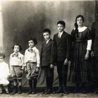 Ignacio, María, Francisco, Alfonso, Luis, Edmundo y Carlos de la Torre Uribarren
