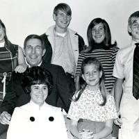 Morris Udall and Pat with the children, 1968
