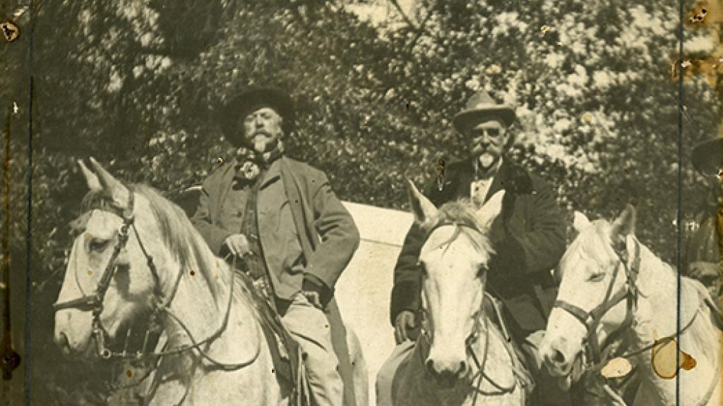 Photo of Buffalo Bill with Colonel Dyer