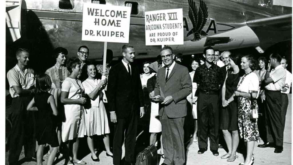 Students Welcome D. Gerald Kuiper Home, July, 1964