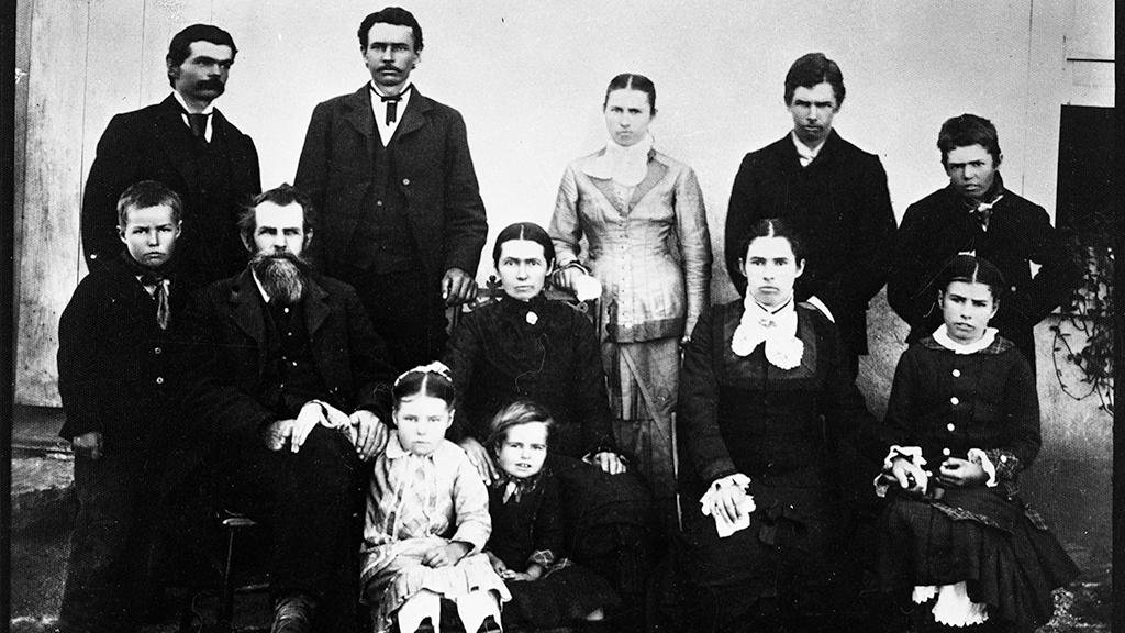 Brannick and Mary Riggs with their 10 children