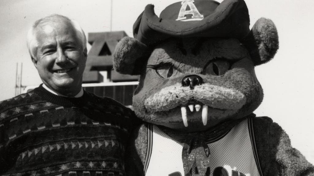 Jim Kolbe Posing with Wilbur the Wildcat
