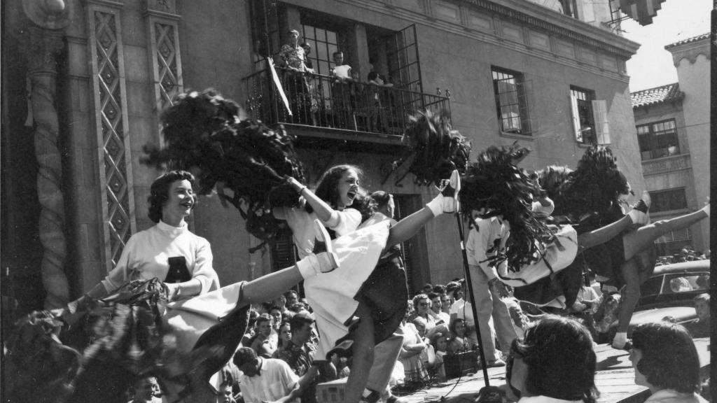 Photo of University of Arizona Homecoming Rally 1952