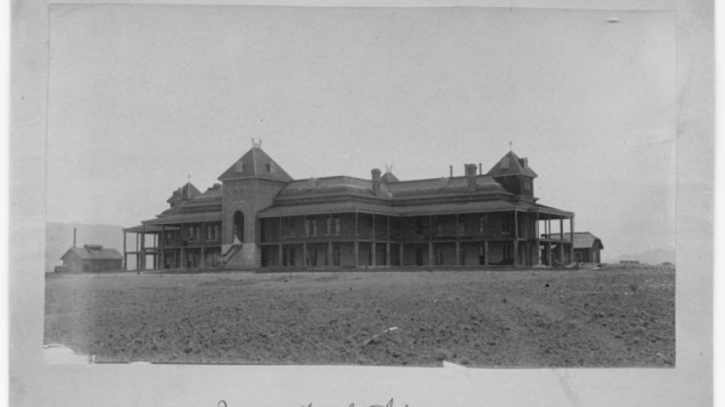 Photo of University of Arizona Old Main Building